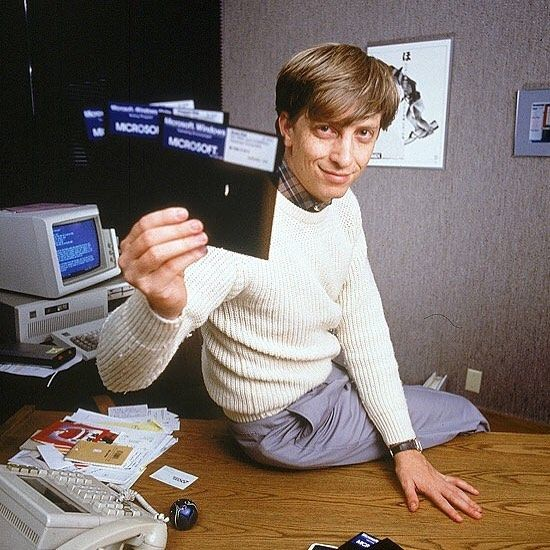 Love it or hate it but Bill Gates introduced Windows 1.0 on this day in 1983 and changed the world.  #ctrlaltdel