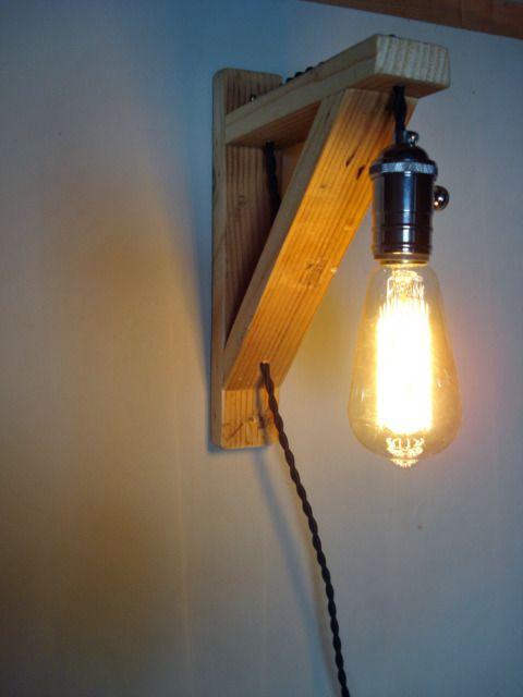 """Applique murale intérieure vintage """"équerre"""" avec ampoule Edison à filament…"""