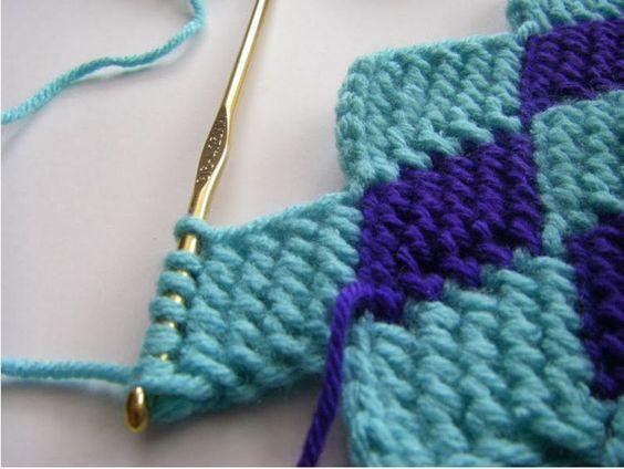Learn the entrelac crochet stitch (video & written pattern)