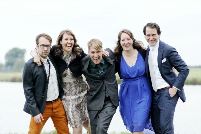 #bruiloft #gasten Trouwen aan het water in Soest | ThePerfectWedding.nl | Fotocredit: Rinke Heederik Fotografie