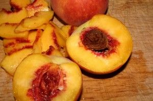 Old Fashioned Peach Freezer Jam - using corn starch instead of pectin.  Yes!