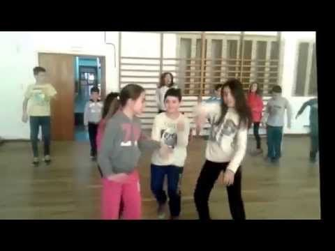 Happy (Pharrell Williams) : Coreografía de Educación Física - YouTube