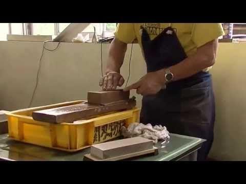 世界一を誇る日本の刃物が絶滅危機!正しい包丁の研ぎ方 Sharpening the way of correct knife - YouTube