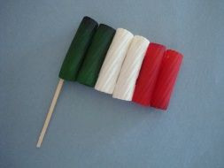 Rigatoni Italian Flag Have your child learn the various countries flags by dyeing pasta to create the various flags! Fun!