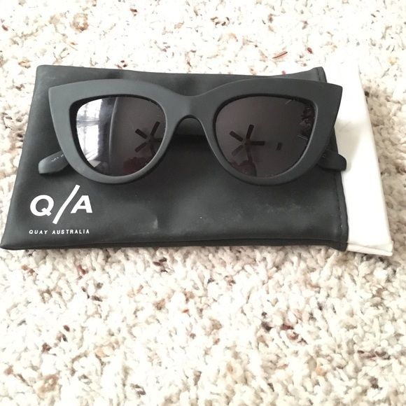 Quay kitti sunglasses Only worn a few times! Quay kitti sunglasses with pouch! Quay Australia Accessories Sunglasses