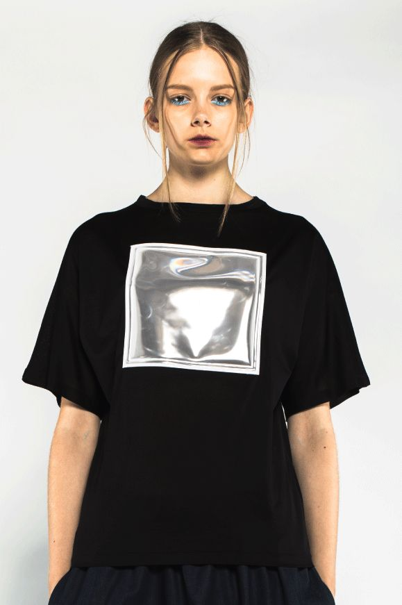 Huge logo patch t-shirt SALE 30% (ORD 1195 SEK) via ANN-SOFIE BACK. Click on the image to see more!