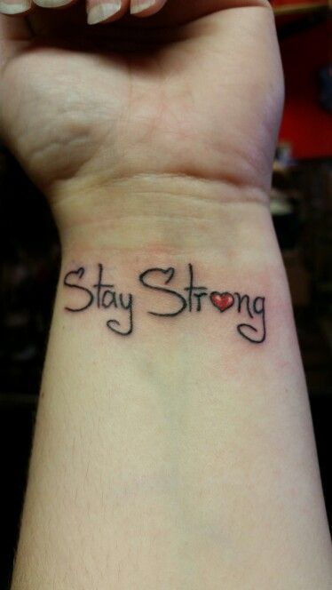 die besten 25 tattoo stay strong ideen auf pinterest pfeiltattoo mit zitat unendlicher ring. Black Bedroom Furniture Sets. Home Design Ideas