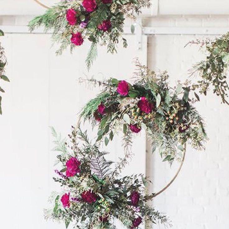 Ideas para decorar con aros tus eventos! #inspiration #decoracion #aros #alquiler