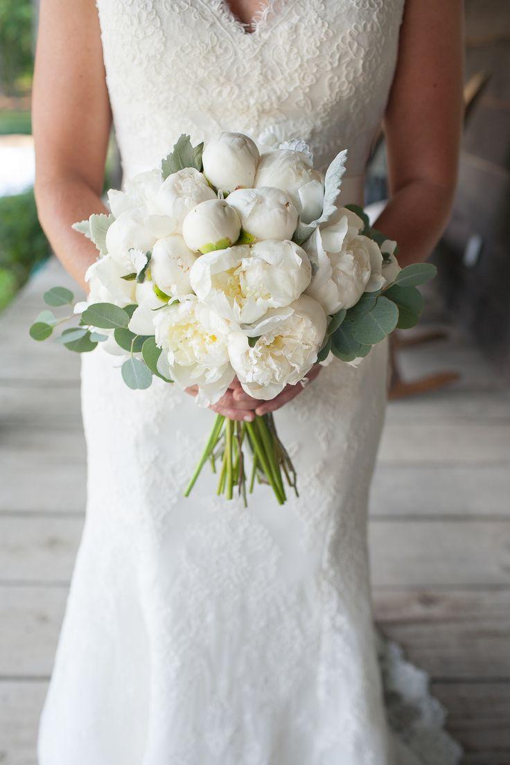 Photography: Rob Ingram Weddings   Flowers: Buffy Hargett