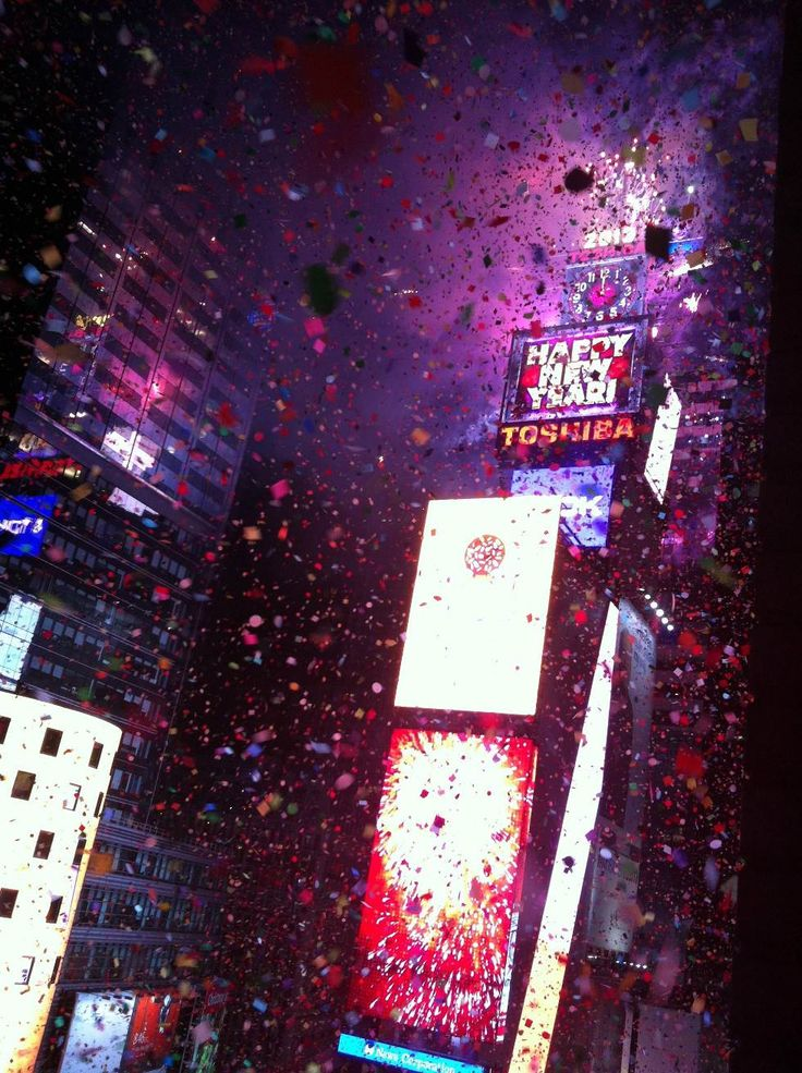 Incredible photographs - New York City Times Square - New Years Eve - The 25 Most Incredible Photographs
