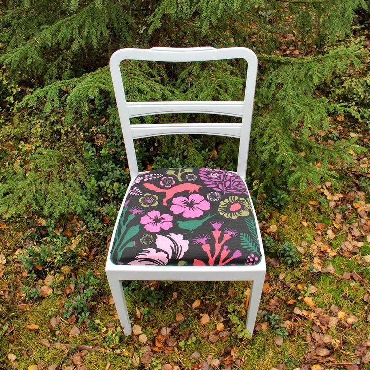 Купить Белые винтажные стулья с яркой обивкой - стул, гарнитур, натуральное дерево, хлопок, дизайн