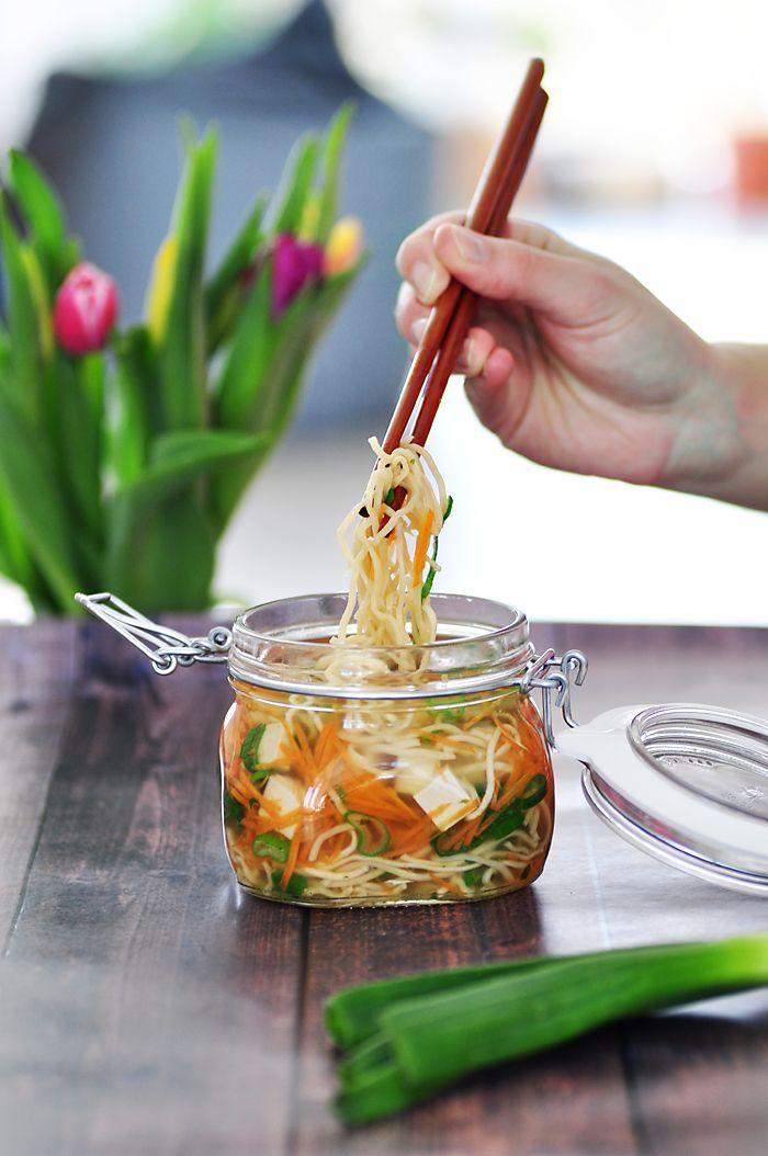 gesundes Essen zum Mitnehmen ins Buero Healthy Instant Noodles 2