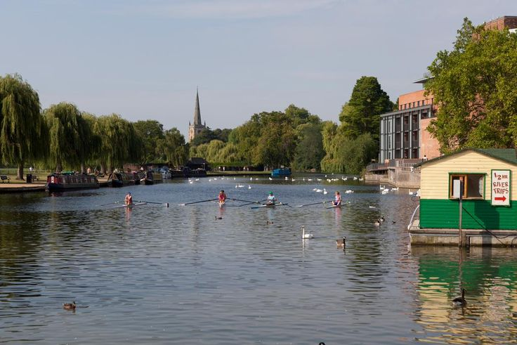 The waterways of @ShakespearesEng come alive from 4-5 July at the beautiful Stratford-upon-Avon River Festival!