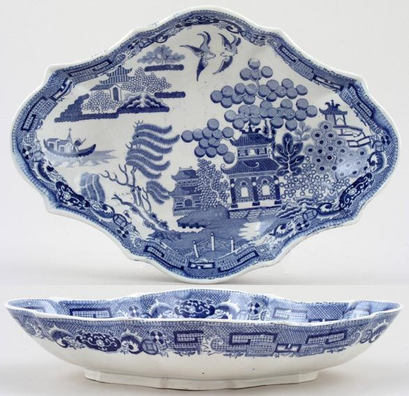 Spode Blue Willow Dessert Dish Ca 1820 My Mother S House Was Packed With This Stuff Even The Wallpaper And Paper Plates Were