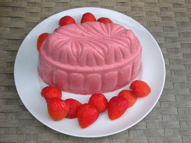 Strawberry Blancmange - Vegetarian | Recipe | Blancmange ...