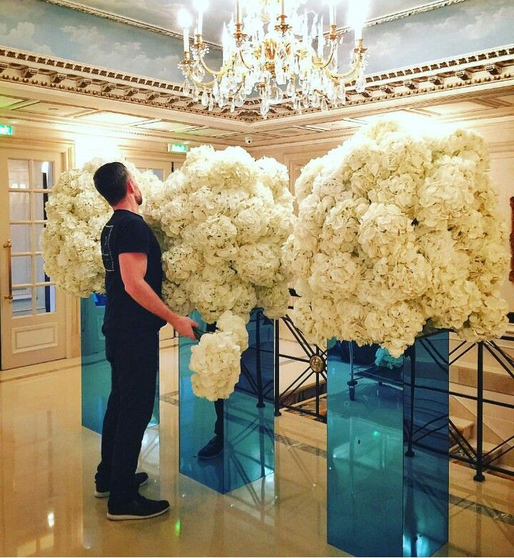 This is what I call a floral arrangement! #FourSeasons via Jeff Leatham