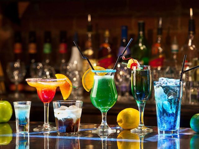 """What does it mean the Chilean expression """"Copete""""?: Any alcoholic beverage.  www.natalislang.com https://www.facebook.com/spanish.courses.natalislang"""