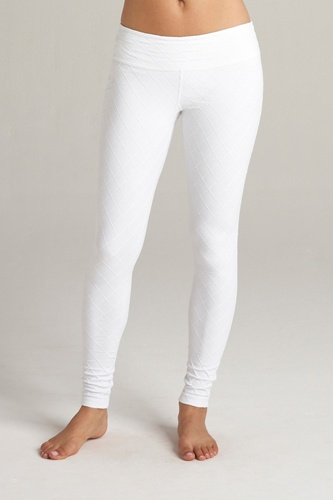 We have these super cute Beyond Yoga quilted essential leggings in both white and grey!