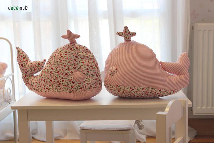 Cojines con forma de ballena hechos a mano decomub kids - Cojines de lana hechos a mano ...