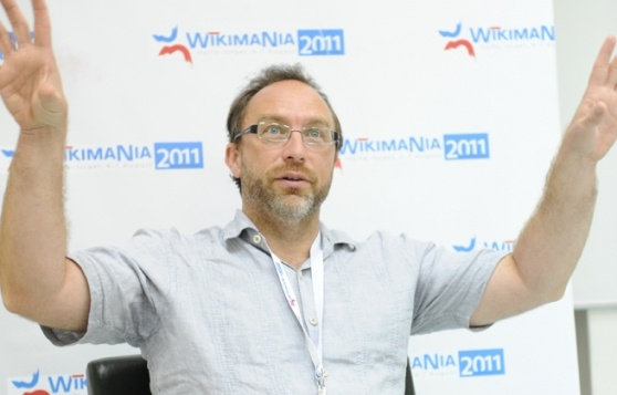 The British government wants to open up and get the public more involved in policy-making, and it is bringing on Wikipedia founder Jimmy Wales as an unpaid advisor on the initiative.