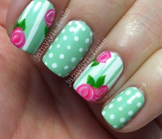 uñas decoradas color pastel con flores