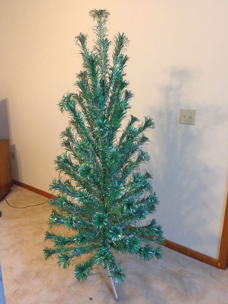Vintage Evergleam Aluminum Christmas Tree 5 1/2 Ft Silver/Green 100 Branch