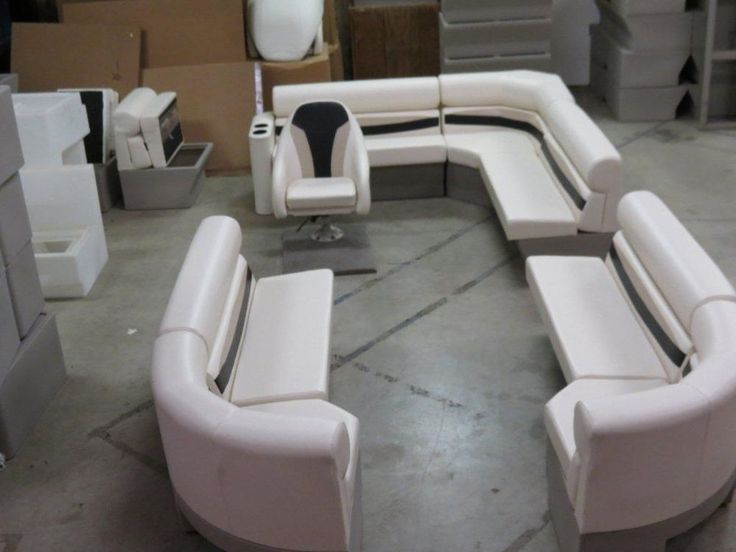 17 best ideas about pontoon boat furniture on pinterest for Pontoon boat interior designs