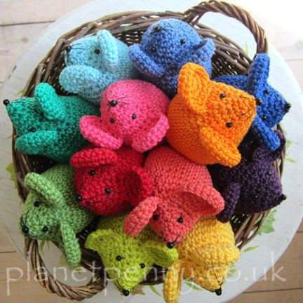 CROCHET Rainbow Mouse Pattern van PlanetPennyUK op Etsy