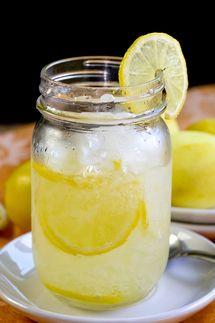 Jack Daniel's Lynchburg Lemonade before the guests take their seats