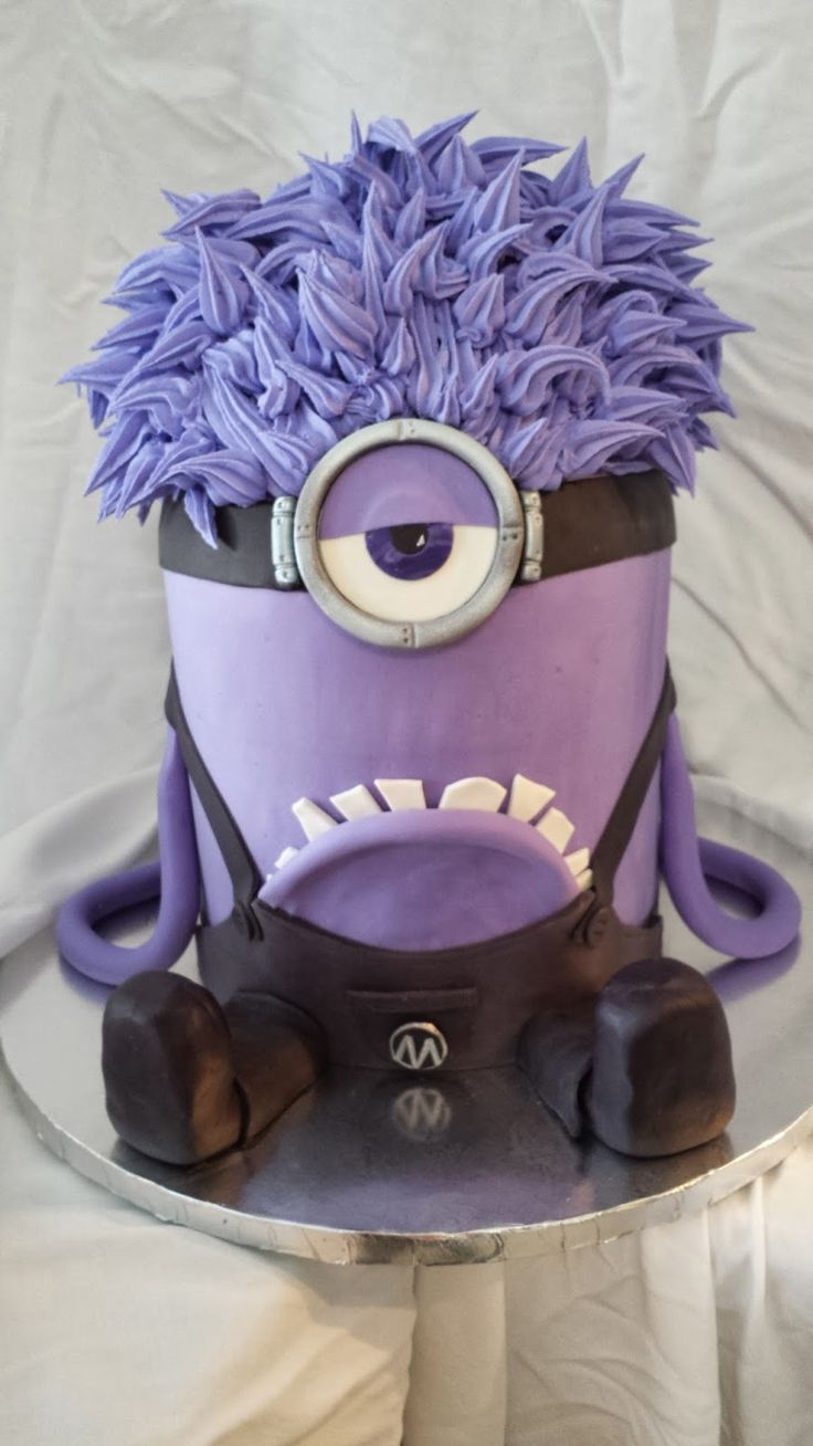 Evil Minions Cake Minions Evil Minions Cake Minions Demetris Przewozman Demetrishuprzewozman Demetris Przewozma In 2020 Evil Minions Evil Minion Costume Purple Minions