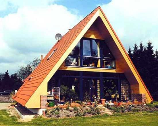 small modern house designs in triangular shape