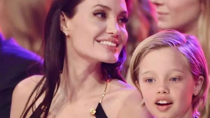 Aos 11 anos filha de Brad Pitt diz que é um menino e dá início a tratamento hormonal