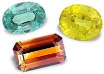 Circon PROPIEDADES FÍSICAS: el circón es azul o incoloro. Existen variedades de color, como naranja,amarillo, verde, marrón y rojo, pero son muy poco frecuentes. Color: pardo, rojo, amarillo, verde, azul, incoloro. Brillo: diamantino, graso. Sistema cristalino: tetragonal.ROPIEDADES CURATIVAS Y ESPIRITUALES: El  es indicado para meditación, armoniza la materia y el espíritu. Es el símbolo de la lealtad. Tiene una utilidad importante en el desarrollo de las actividades mentales