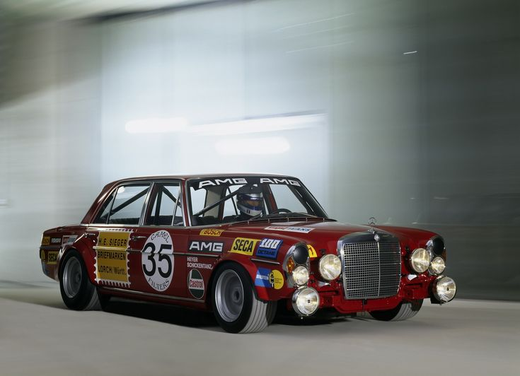 1971_Mercedes-Benz_300_SEL_6.3_AMG_1