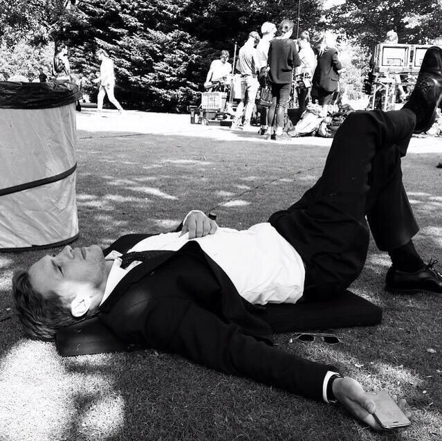 William Moseley taking a break while filming S2 of the Royals!