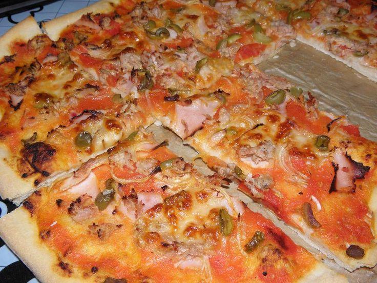 Těsto na pizzu podle J. Olivera - nová fotka k receptu  http://www.csdr.cz/?page=recepty/rcpt_profil&page2=rcpt_profil_dalsifoto&idrecept=1384185973#xmenu2