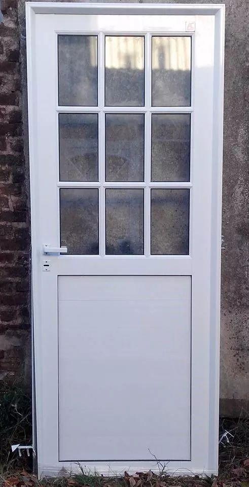 puerta aluminio x vidrio reforzada