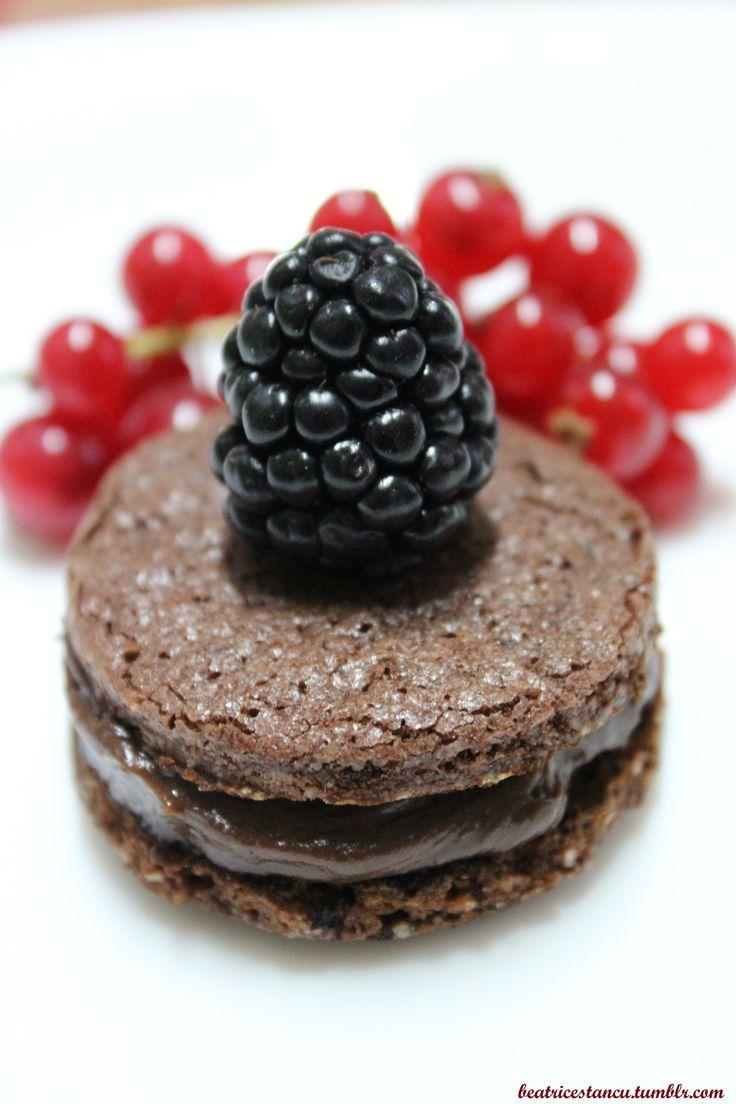 Blackberry Macaron