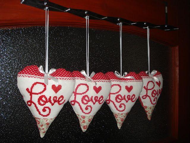 KŘIŽÍKOVA embroidery: Srdiečková