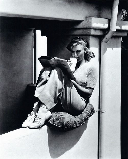 Ginger Rogers reads.: Books, Gingers Roger, Ginger Rogers, Roger Reading, Milk, Icons, People, Photo, Classic