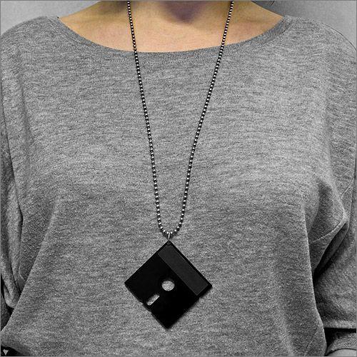 FLOPPY ネックレス - 懐かしのフロッピーディスクを胸元に飾る - fu-bi(フウビ)