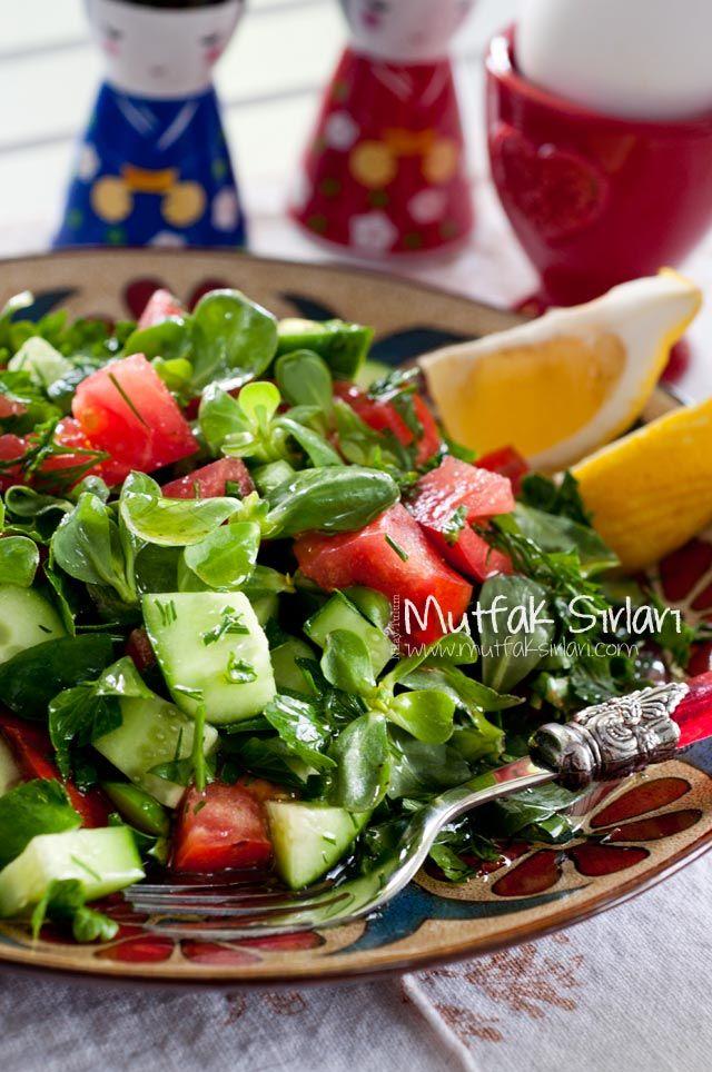 Pratik Semizotu Salatası nasıl yapılır ? Tarifin püf noktaları, binlerce yemek tarifi ve daha fazlası...