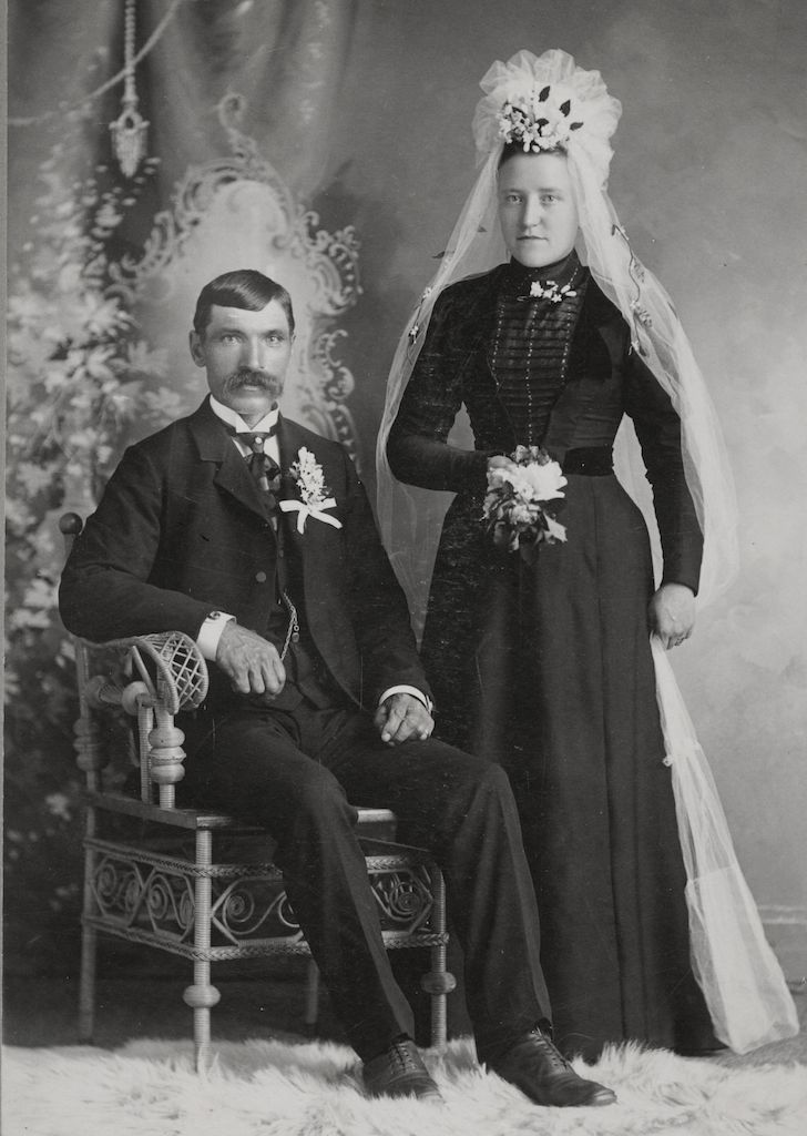 1800S Wedding Photos Women Still Wore Black Wed  Step -5520