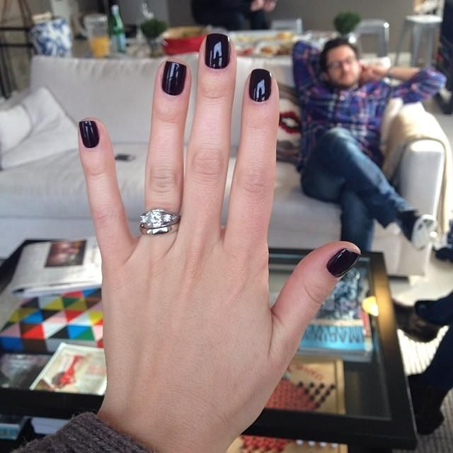 Nothing says home for the holidays like... a mani at your favorite hometown salon :) Here's our Rachel sporting Velvet Voyeur by @essie courtesy of US Nails in Birmingham, Michigan.