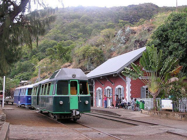 Le petit train de l' Île de la Réunion, Outre-Mer,(France).