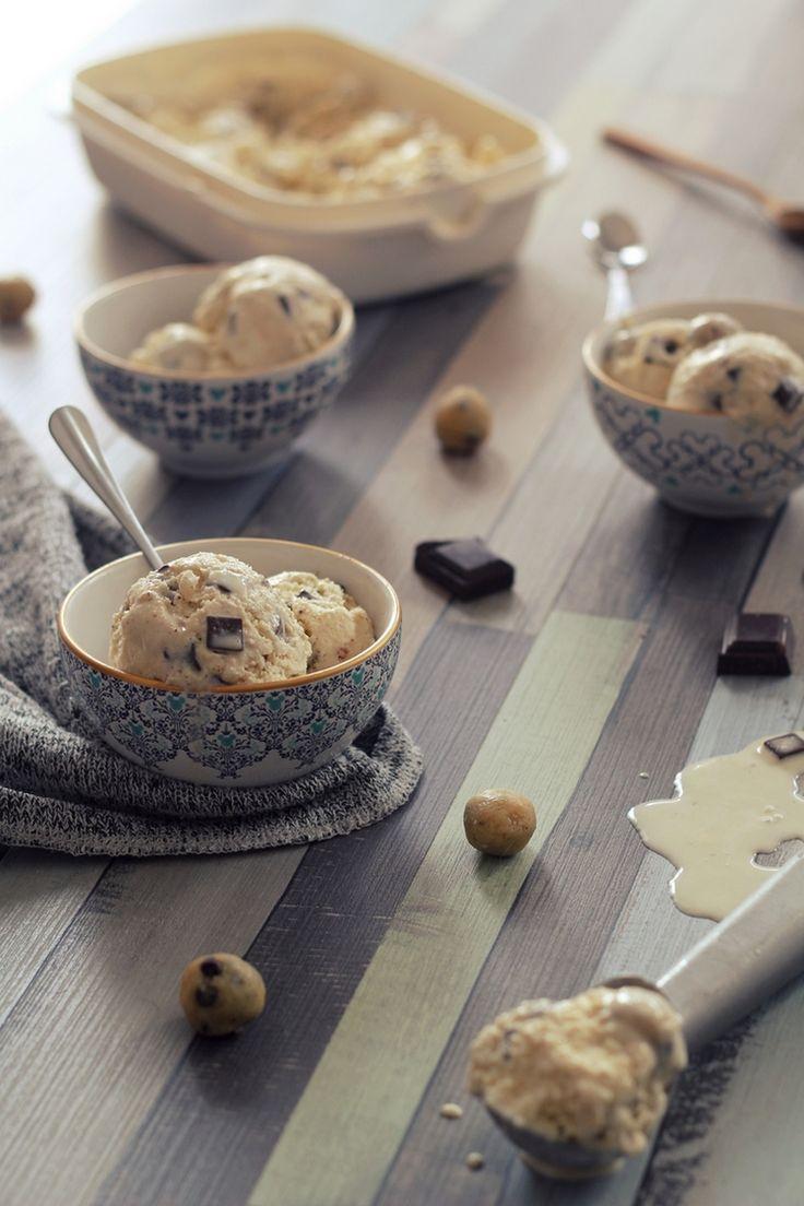 Cookie dough ice cream (glace vanille et pâte à cookie crue). Sans sorbetière.