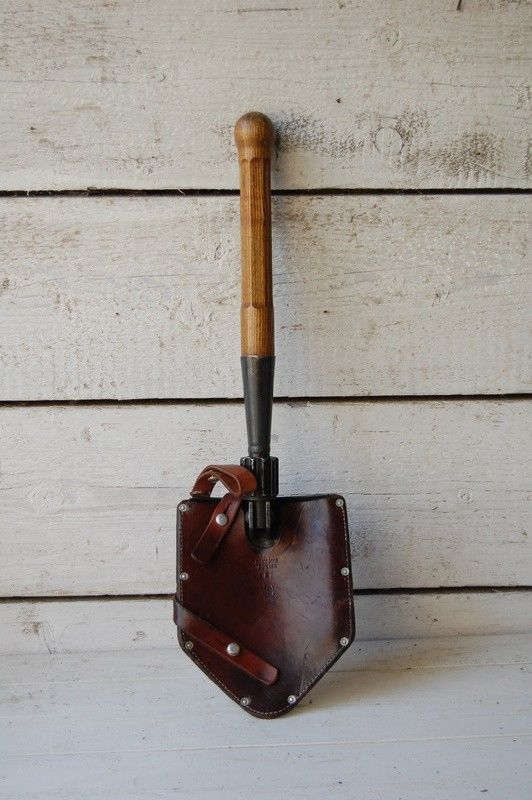 SWISS FOLDING SPADE WITH LEATHER COVER