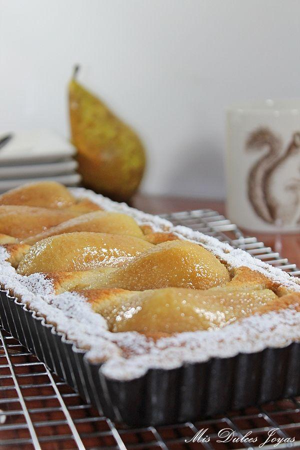 Mis Dulces Joyas: Tarta de pera, almendra y amaretto (by Lorraine Pascale)