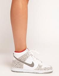 Nike leopardo