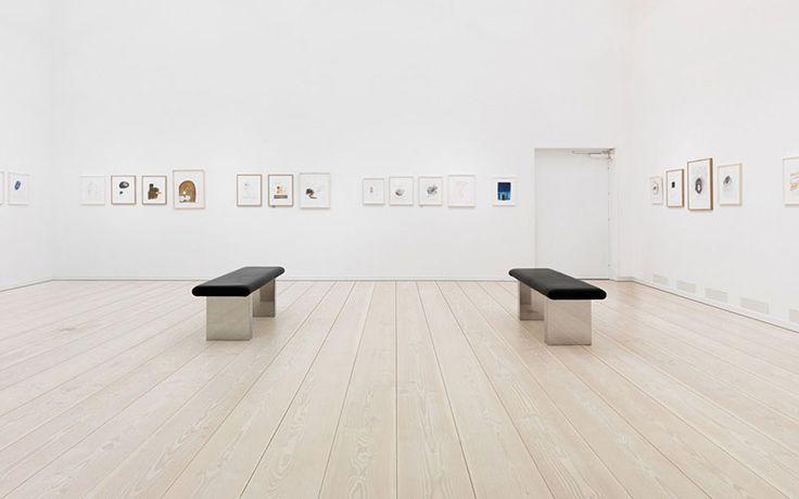 Existen tipos de parquet ideales para ser colocados en museos o espacios públicos ¡pregúntanos!